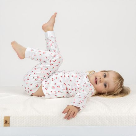 CUDDLECO Pěnová matrace Lullaby 120 x 60 cm Cream